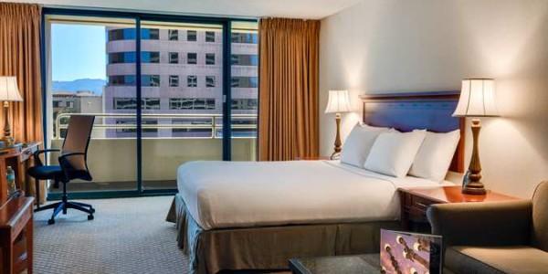 Guestroom – King Bed