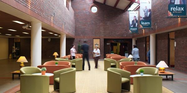 Centre Lounge
